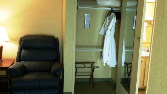 Sommerset Suites Hotel : Two robes and large closet