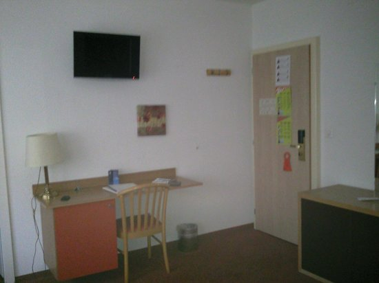 Hôtel Bon-Port : vue de la chambre
