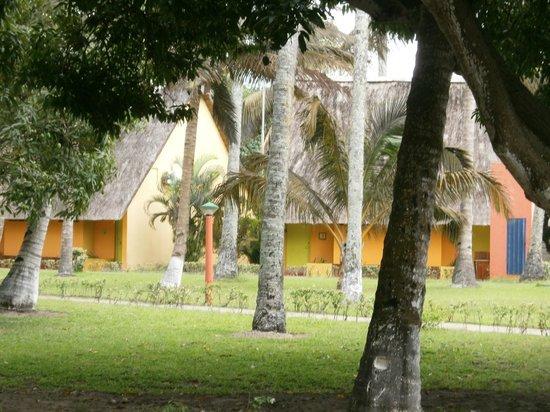Pestana Inhaca Lodge: Hotel gardens