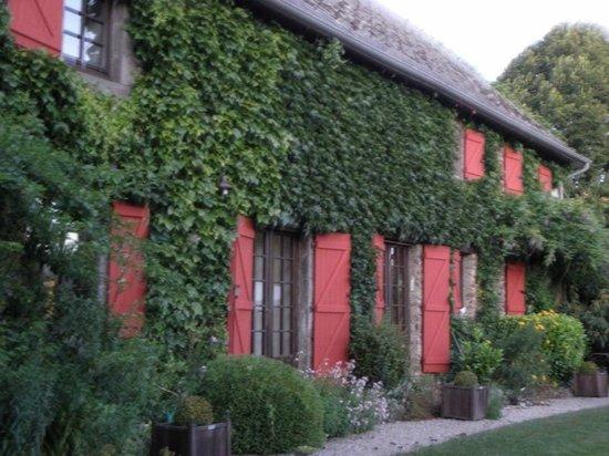 Jardin d' Arsac: Arsac, la maison : vieilles pierres et charme