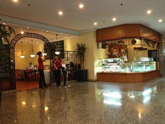 Ibis Jakarta Slipi : Lobby