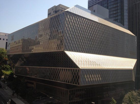 Kimpton Hotel Monaco Seattle: View of Rem Koolhaas' Seattle Public Library from the room