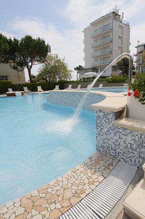 Club Family Hotel Milano Marittima: piscina