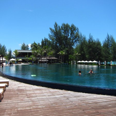 Grand West Sands Resort & Villas Phuket: Main pool