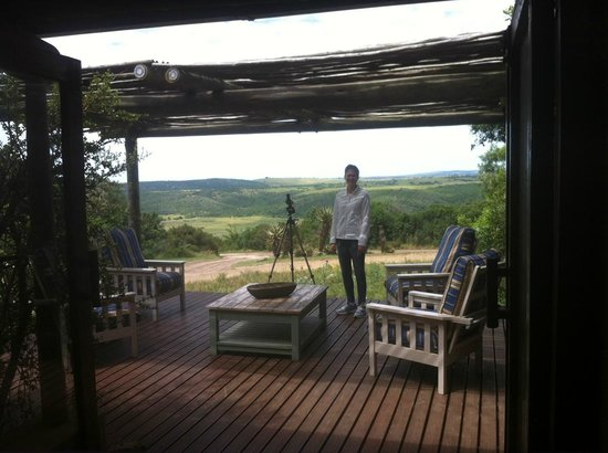 Kariega Game Reserve: observation deck by the restaurant