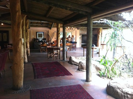 Kariega Game Reserve - Main Lodge: restaurant