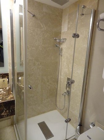 Eyuboglu Hotel: very clean Bathroom