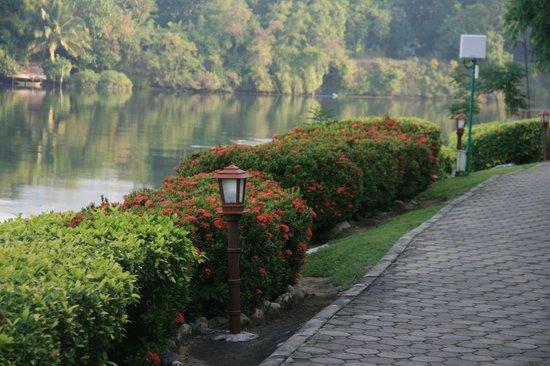 Felix River Kwai Resort - Kanchanaburi: River View