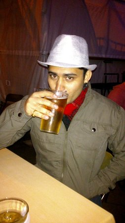 Smash Palace: My hubby enjoying his first local beer in NZ :)