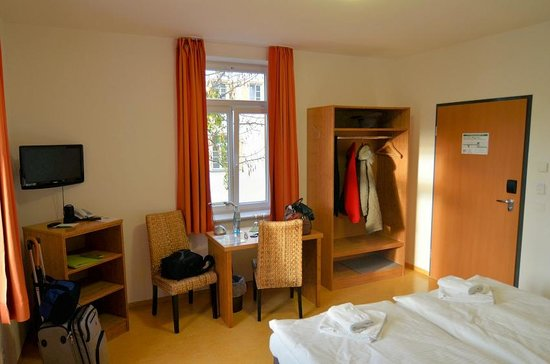 Ecoinn: Furniture is bamboo, not laminate