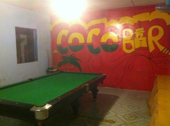 Coco Bar: pool area and darts