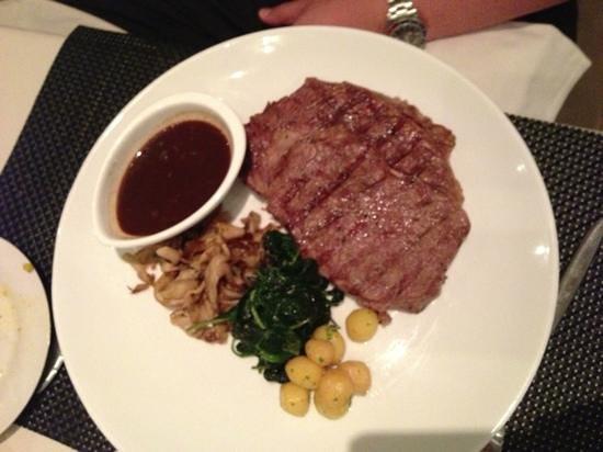 Abacus Restaurant, Garden & Bar: beef entrecôte
