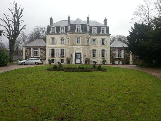Najeti Hotel Chateau Clery: Chateau