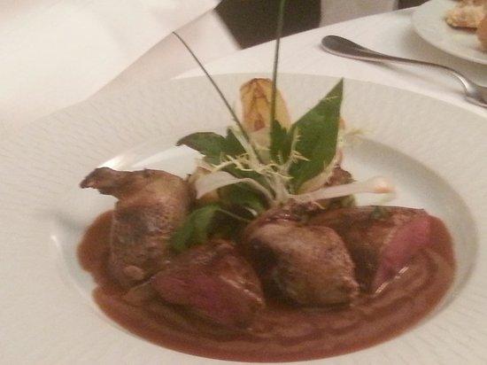 Najeti Hotel Chateau Clery: Tasty dinner