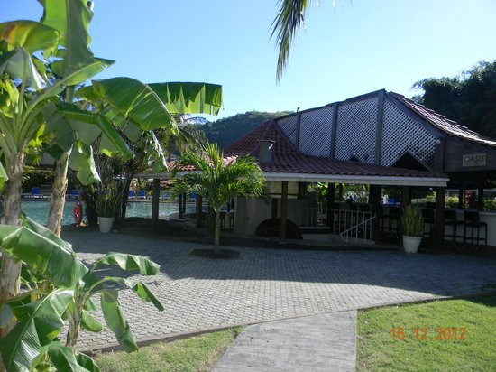 Radisson Grenada Beach Resort: Oasis bar and grill