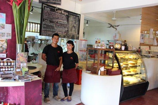Cafe Vespa: Friendly staff at Vespa