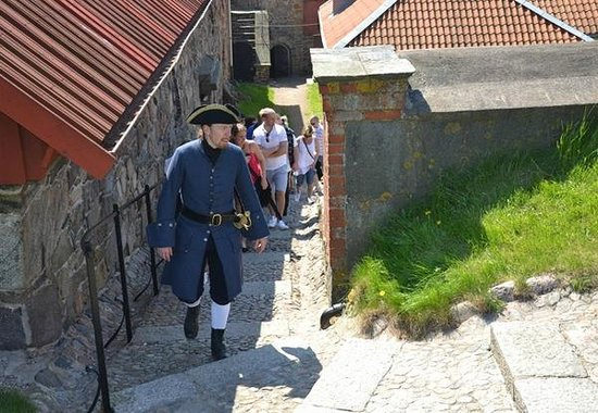 Alvsborgs Nya Fastning: Take a stroll on your own or join a guided tour.
