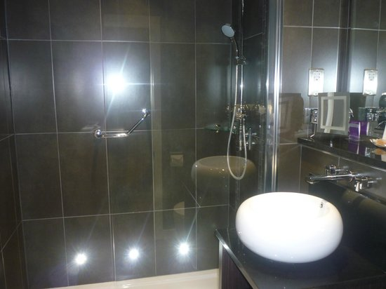 Auchrannie Resort: Bathroom