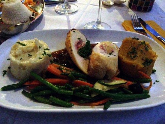 Vaima Polynesian Bar and Restaurant: The chicken was delicious