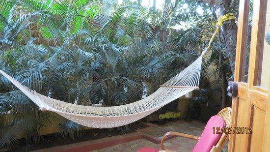 Bougainvillea Guest House Goa: personal hammock