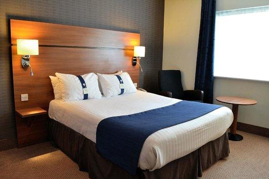 Holiday Inn Express Birmingham - Star City: Bedroom
