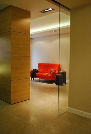 Liv'Inn Aparthotel: Lobby