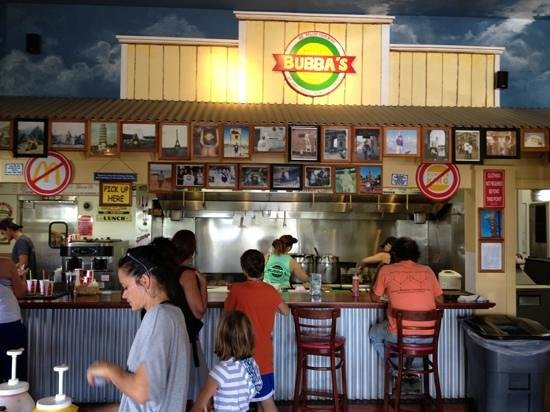Bubba Burgers: Great atmosphere.