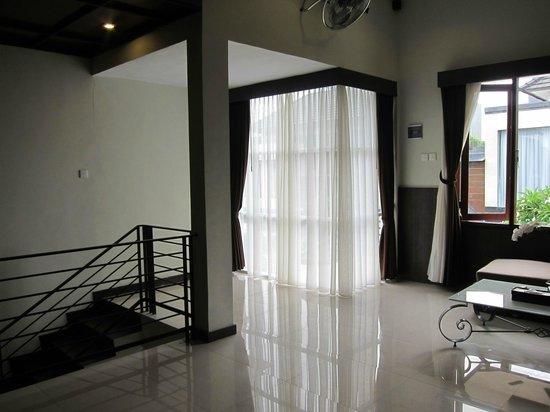 The Nakula Villas : Living room outside the 2nd floor bedroom