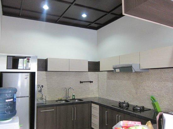 The Nakula Villas : Kitchen area