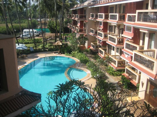 Lazylagoon Sarovar Portico Suites: Pool