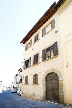 Dimora San Domenico: esterno ingresso al b e b