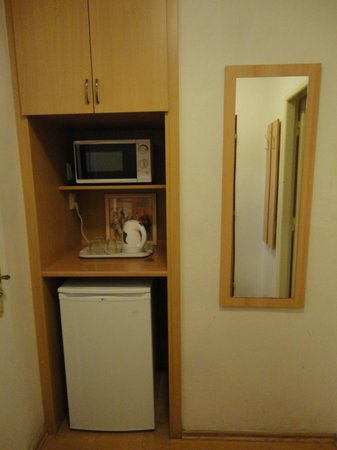 Residence Bene : Fridge and microwave