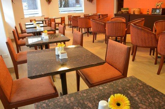 Tierra Viva Puno Plaza Hotel: Breakfast Room