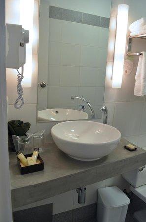 Tierra Viva Puno Plaza Hotel: Bathroom
