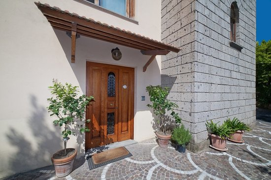 Gocce di Limone B&B Sorrento: Ingresso Esterno - Outside Entrance
