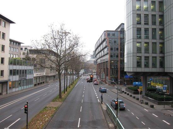 Sonata Hotel: Vom WDR Haus aus gesehen.