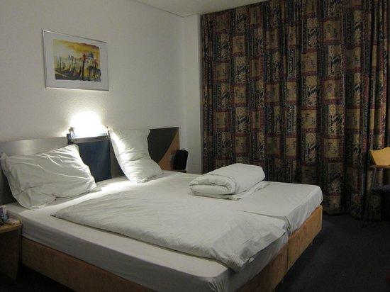 Sonata Hotel: Hände weg,von der Minibar!