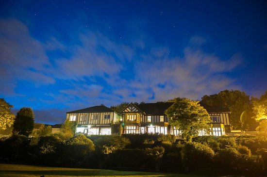 BEST WESTERN Higher Trapp Country House Hotel: Night