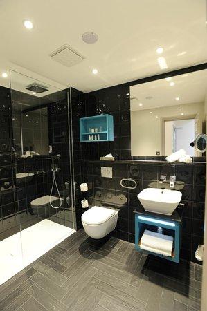 Hotel Indigo London Kensington Bathroom