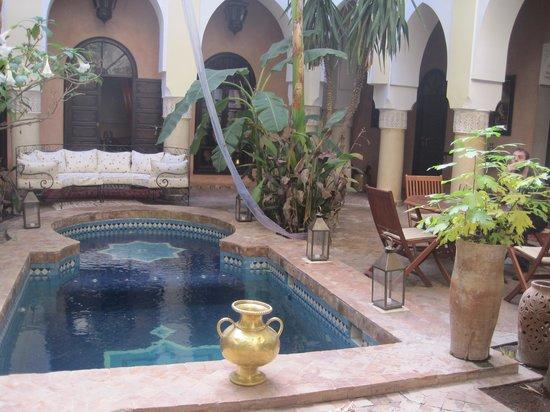 Riad Nabila: un buen día en la terraza
