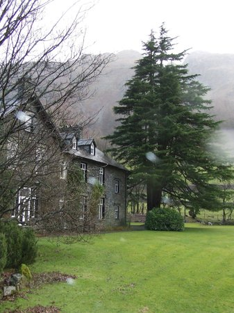 New Dungeon Ghyll Hotel: View from the front grounds