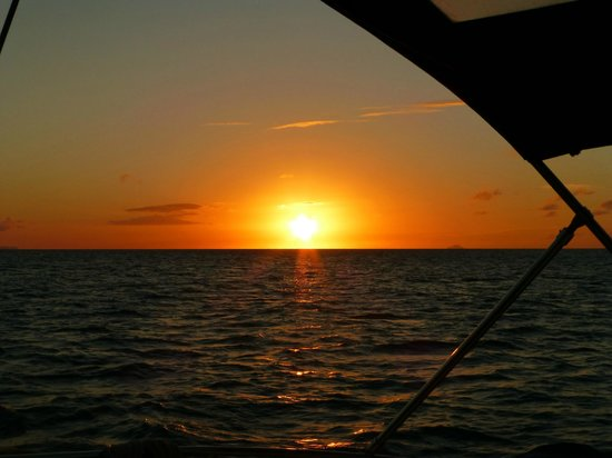 Adventure Caribbean Yacht Charter: View of sun setting from Jabberwocky