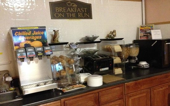 Windsor Inn Motel: breakfast