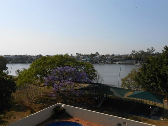 Kirribilli Apartments: View of Brisbane river from balcony