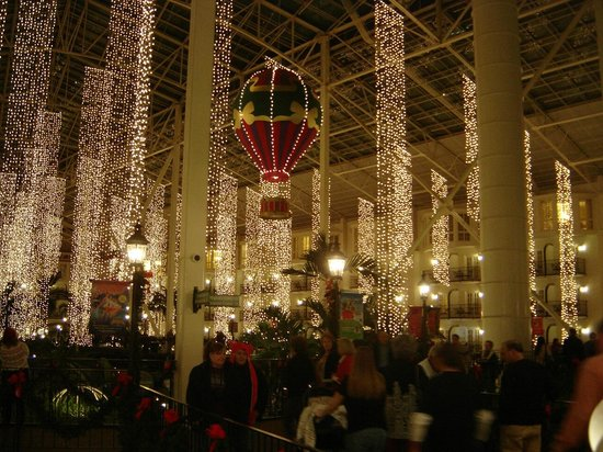Loved the Christmas decor - Picture of Gaylord Opryland Resort ...