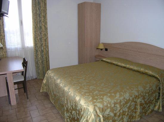 Hotel Villa Maria: la camera matrimoniale