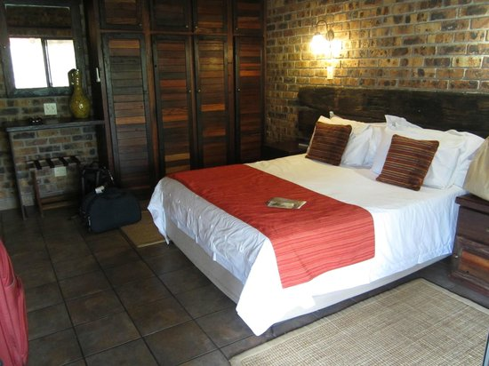 Gomo Gomo Game Lodge: Bedroom