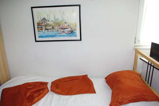 Volare Apart Hotels : Kamer: bed
