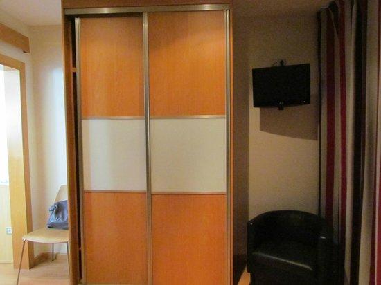 Atica Apartamentos: camera n. 1
