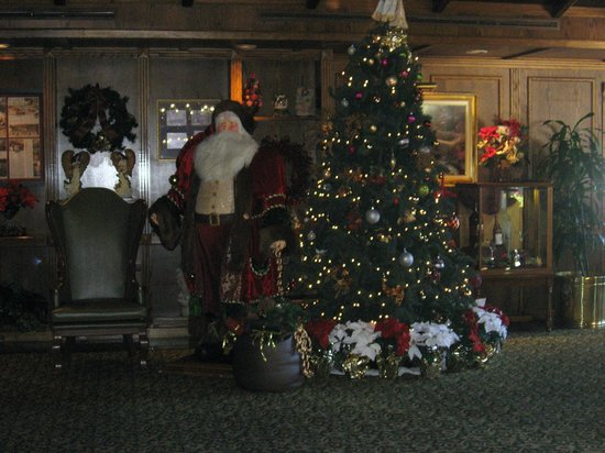 The Historic Santa Maria Inn: Hotel Lobby